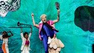 Jendrik (Deutschland) mit Band auf der Bühne. © EBU Foto: Thomas Hanses