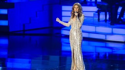 Céline Dion singt auf der Bühne des Caesars Palace in Las Vegas. © picture alliance / AP Images / Invision Foto: Powers Imagery