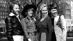 ABBA kurz nach ihrem ESC Sieg (1974) © picture-alliance / United Archives/TopFoto