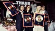 ABBA bei einer Auszeichnung in Hamburg in den 1970ern © picture-alliance / Jazz Archiv