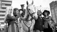 ABBA kurz nach ihrem ESC Sieg in Brighton © picture-alliance / empics