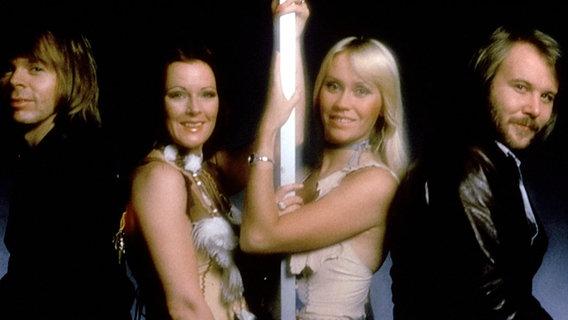Die Band ABBA beim Grand Prix d'Eurovision 1974 in Brighton. © NDR