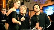Sarah Kuttner mit Lionel Ritchie und Peter Urban im Backstage Bereich © NDR Online