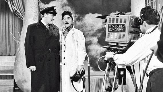 Birthe Wilke und Gustav Winckler beim Grand Prix d'Eurovision 1957