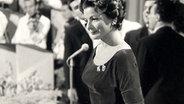 Lys Assia beim Grand Prix d'Eurovision 1956.