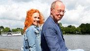 Hans-Peter Korff mit seiner Frau Christiane Leuchtmann an der Hamburger Außenalster