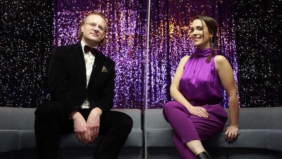 Alina Stiegler und Stefan Spiegel im Studio. © NDR Foto: Joshua Zonneklein