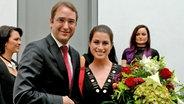 Ann Sophie mit dem Botschafter Nikolaus Marschik beim Empfang der österreichischen Botschaft in Berlin © NDR Fotograf: Patricia Batlle