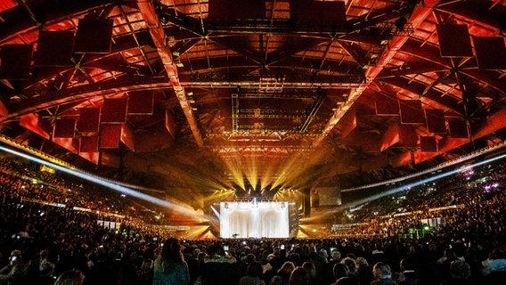 Ein Konzert in der vollbesetzten Unipol Arena bei Bologna 2019. © Pacific Press Agency Foto: Pacific Press Agency