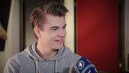 Linus Bruhn im Interview.  Foto: Mairena Schuster
