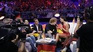 Team Deutschland und Michael Schulte im Green Room während des zweiten Halbfinales. © eurovision.tv Foto: Thomas Hanses