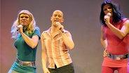 ESC-Karaoke beim Fantreffen in Köln. © dpa Foto: Jonas Güttler