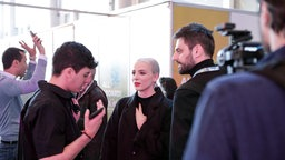 Madame Monsieur bei der Ankunft in der Altice Arena in Lissabon. © eurovision.tv Foto: Thomas Hanses
