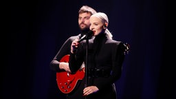 Madame Monsieur auf der Bühne in Lissabon. © eurovision.tv Foto: Andres Putting