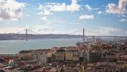 Die Baixa, die Altstadt, von Lissabon mit Blick auf die Bogenbrücke © www.visitlisboa.com