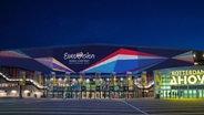Die Ahoy Arena in Rotterdam mit dem Logo des ESC 2021.  Foto: NPO/NOS/AVROTROS