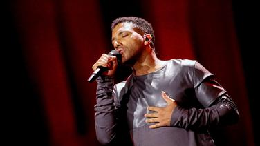Cesár Sampson auf der Bühne in Lissabon. © eurovision.tv Foto: Andres Putting