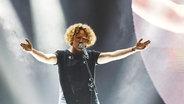 """Michael Schulte auf der Bühne bei """"Eurovision in Concert"""" in Amsterdam © Volker Renner PRINZ ESC Blog Fotograf: Volker Renner PRINZ ESC Blog"""