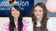 Jamie-Lee mit der italienischen Sängerin Francesca Michielin bei eurovision.de © NDR Fotograf: Christine Raczka