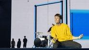 """Für Tschechien steht Lake Malawi mit """"Friend Of A Friend"""" auf der ESC-Bühne. © eurovision.tv Foto: Andres Putting"""