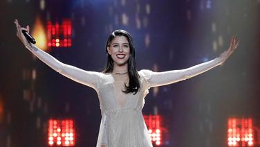 "Demy performt ""This Is Love"" auf der ESC-Bühne in Kiew. © Eurovision.tv Fotograf: Andres Putting"