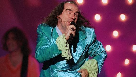 Guildo Horn beim Eurovision Song Contest 1998 . Er belegt den 7. Platz.  Foto: Katja Lenz pool