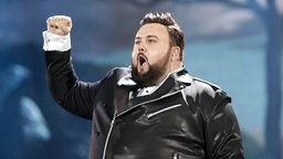 "Jacques Houdek performt ""My Friend"" auf der ESC-Bühne in Kiew. © Eurovision.tv Fotograf: Thomas Hanses"