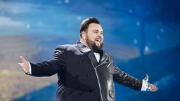 "Jacques Houdek performt ""My Friend"" auf der ESC-Bühne in Kiew. © Eurovision.tv Foto: Thomas Hanses"
