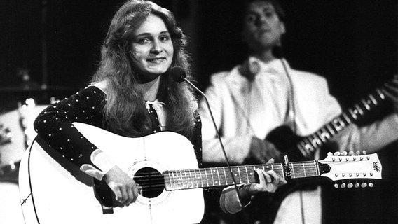 Nicole singt beim Grand Prix de la Chanson d'Eurovision im britischen Harrogate 1982 - und holt den ersten Sieg für Deutschland.  Foto: Lehtikuva Oy