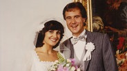 Hochzeitsbild der Sängerin Paola Felix an der Seite ihres frisch angetrauten Ehemannes Kurt Felix 1980 © Paola