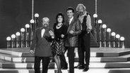 """Die Moderatoren Paola und Kurt Felix auf der Bühne der Sendung """"Verstehen Sie Spaß?"""" 1988 zusammen mit Dieter Reith und Karl Dall © ARD"""