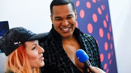 Valentina Monetta & Jimmie Wilson im Backstage-Bereich des Messezentrums in Kiew. © Eurovision.tv Foto: Andres Putting