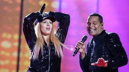 "Valentina Monetta & Jimmie Wilson performen""Spirit Of The Night"" auf der ESC-Bühne © eurovision.tv Fotograf: Thomas Hanses"