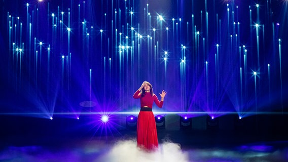 """Lilly Among Clouds mit """"Surprise"""" auf der Bühne beim Vorentscheid in Berlin. © NDR Foto: Rolf Klatt"""