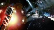 Mikrofon und Bühnenaufbau (Collage)